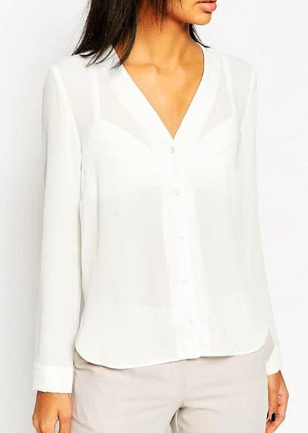 9. Aşırı transparan tişörtler ve aşırı transparan bluzlar.
