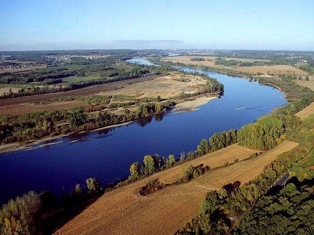 2. Fransa sınırları içindeki en uzun nehri hangisidir?