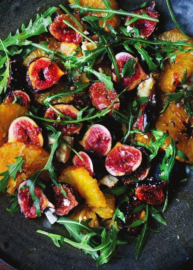 8. Bir öğünlük meyve salatası
