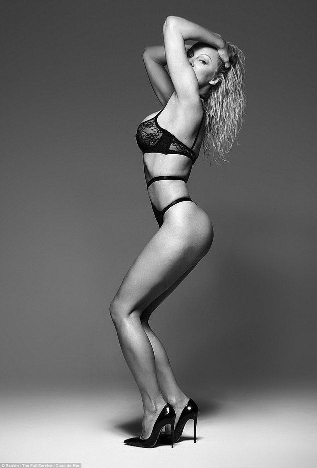 Zamanın acımasızlığının etkilemediği kadınlardan Pamela Anderson.