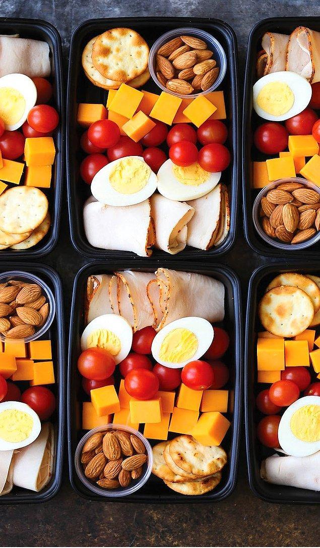 6. Zengin bir kahvaltı menüsüyle karnınızı doyurun