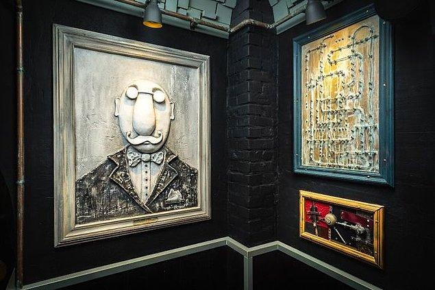 Alexey bu barın ilhamının 1876 yılında ahşap döküm sanatını keşfeden Profesör Melt'ten geldiğini anlatıyor.
