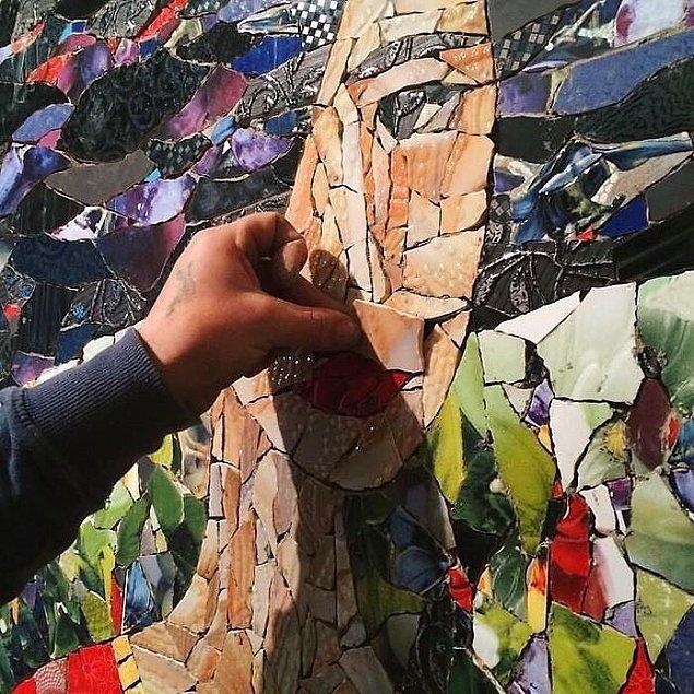 Portre seramik mozaiklerden tekrar yapıldı.