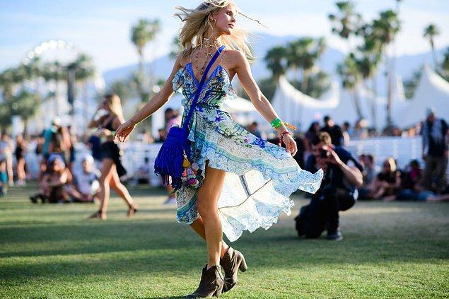 6. Uçuş uçuş elbiseler danslarınıza ahenk katacak.