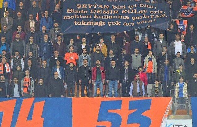 Ve Başakşehirli taraftarlar da Rıdvan Dilmen ve Mehmet Demirkol'a yönelik tehdit içerikli bu pankartı açmıştı.