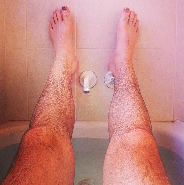 17. Beraber banyoya girmek istiyorsanız bacaklarınızın üşüyeceğini bilin.