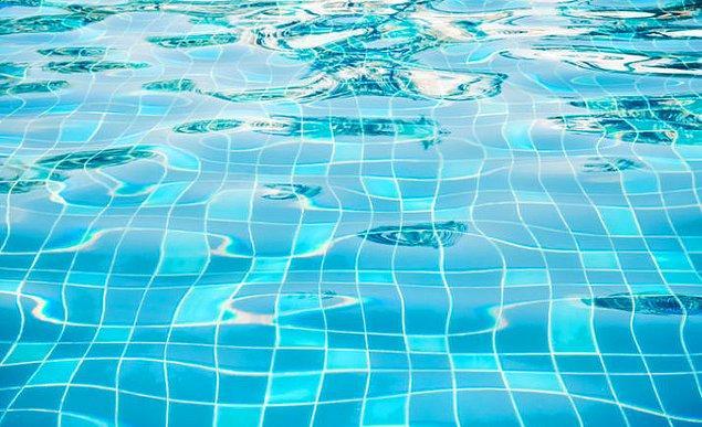 19. Yaşadığınız süre boyunca iki yüzme havuzunu dolduracak kadar tükürük üretiyorsun.