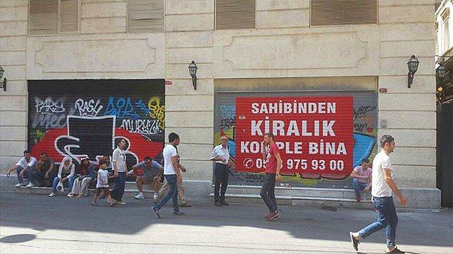 Umuyoruz ki bu hummalı çalışmalar, bize özlediğimiz İstiklal Caddesi'ni yeniden kavuştursun.