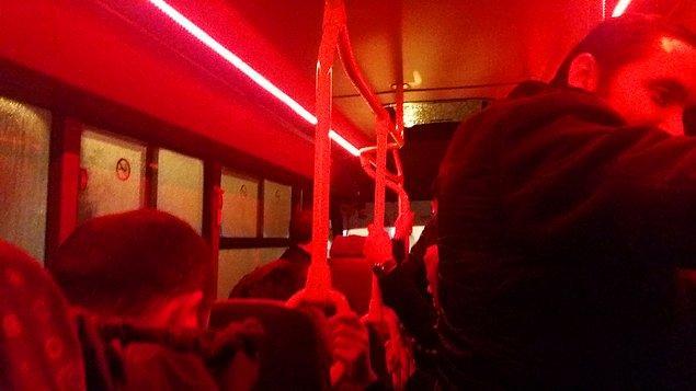 12. Red Light minibüs