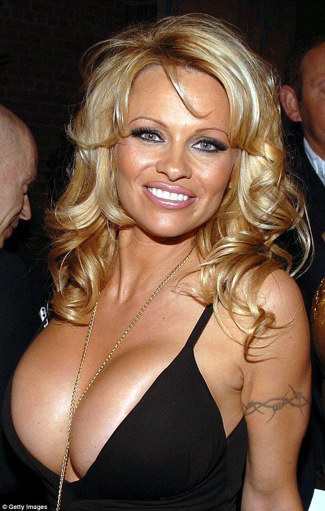7. Pamela Anderson'ın korkusu da ilginç olanlar arasına rahatlıkla girebilir.