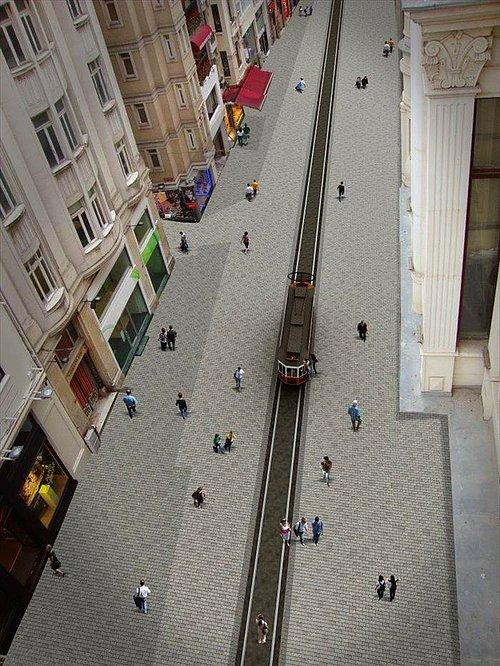 Şimdilerde Harabeyi Andırıyor: Çalışmaların Ardından İstiklal Caddesi Nasıl Görünecek 74