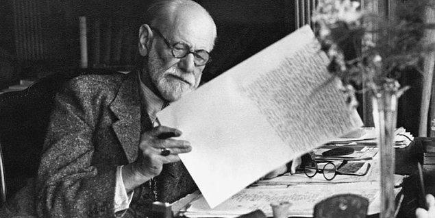 4. Freud'a göre fallik dönemde, erkek çocukların annelerine yönelik cinsel hisler beslemesine ne isim verilir?
