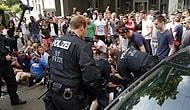Afgan Arkadaşlarını Sınır Dışı Etmek İsteyen Polise Direnen Alman Öğrenciler