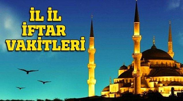 9. Televizyonda iftar saatleri okunmaya başlamıştır!