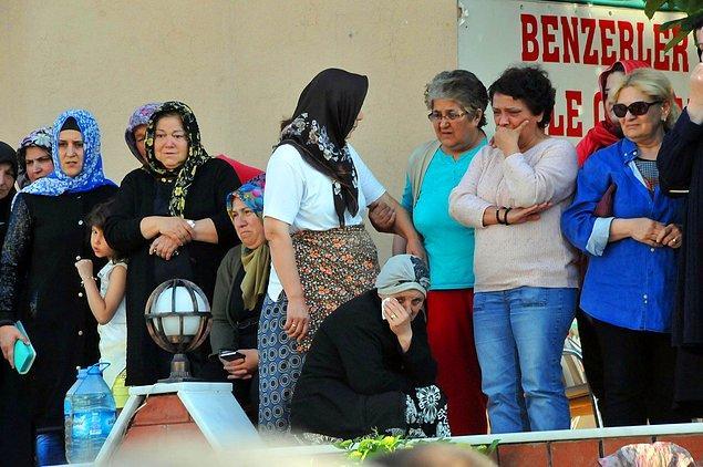 Minik Eylül'ün cenazesi dün Koru Mezarlığı'nda gözyaşları içinde toprağa verildi.