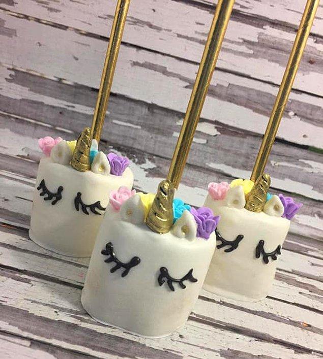 5. Çikolata kaplı marşmelov unicornlar! 🦄🦄