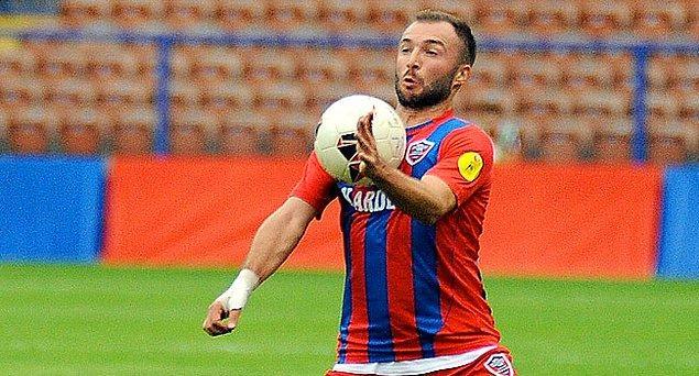 2015-16 sezonunda ise TFF 1. Lig'i ikinci bitirerek Süper Lig'e yükselen Karabükspor'un kadrosunda yer alıyordu Murat.