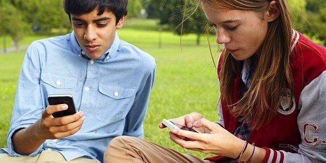 10. Teknoloji, insanları uzaklaştırdığından çok yakınlaştırabiliyor da!