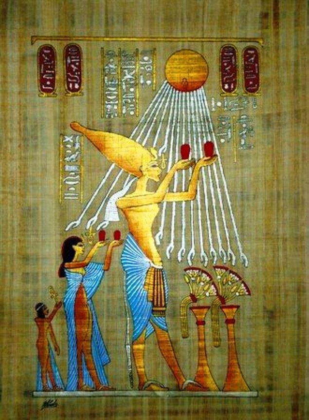 15. Akhenaton, sanat ve kültürde de önemli değişiklikler yaptı.
