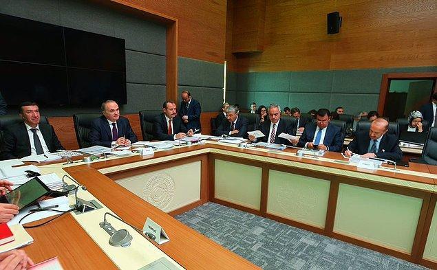 Yasa tasarısı üç gün süren görüşmelerin ardından Meclis komisyonunda kabul edildi.  TBMM Genel Kurulu'na gönderilen tasarı bu hafta görüşülecekti.