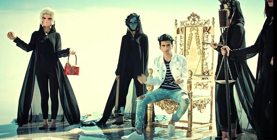 Cagatay Akman Dan Yeni Video Klip Sensin Benim En Derin Kuyum