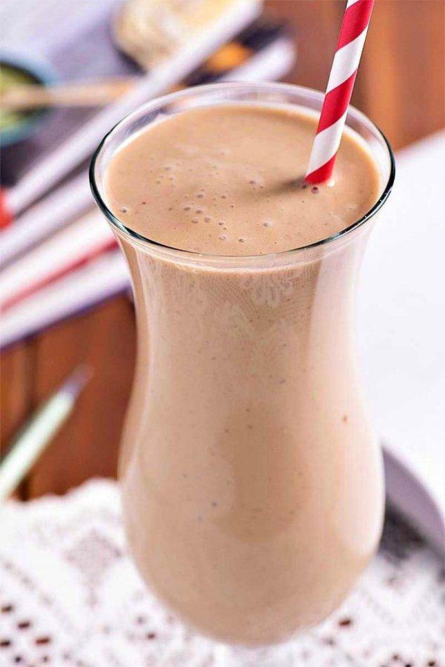 Bu pek sıradışı olmayabilir ama biz yine de hatırlatalım dedik! Soğuk kahveler ve sütlü içecekler yazın gözdesidir!