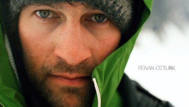 Renan Öztürk Almanya doğumlu. Annesi Amerikalı, babası ise Ankaralı.