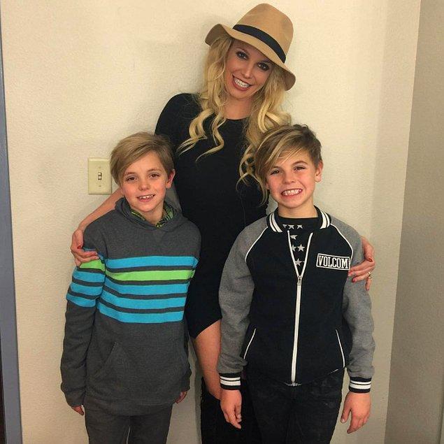 3. Britney Spears ve oğulları Sean Federline, Jayden James Federline