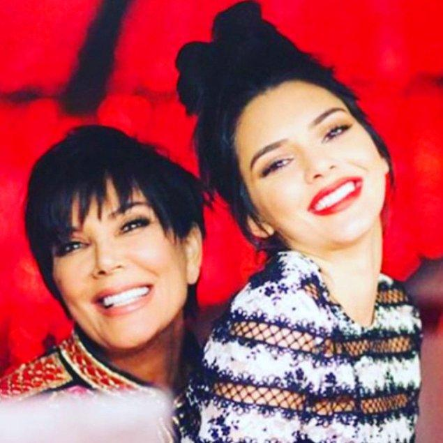 20. Kris Jenner ve kızı Kendall Jenner