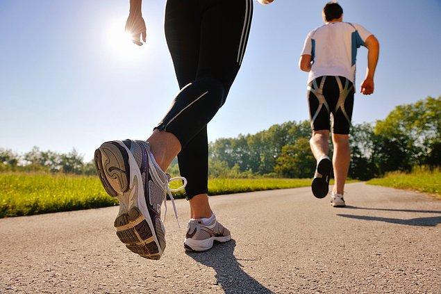 10. Düşük tempolu sporlar ya da yürüyüş yapabilirsiniz.
