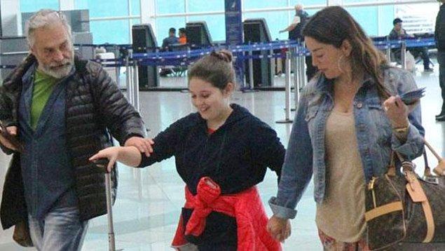 Geçtiğimiz ay, kızları Nazlı'yla beraber Miami'ye giderken havaalanında da görüntülenince Bilginer ve Nur Yengi hakkında yazılıp çizilenler iyice çoğalmaya başladı.