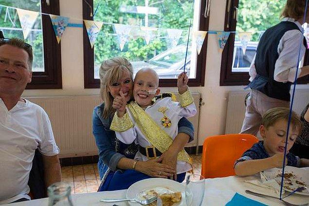 Belçika'da yaşayan 6 yaşındaki Jayden Caneghem 4. seviye kemik kanseriyle mücadele ediyor.