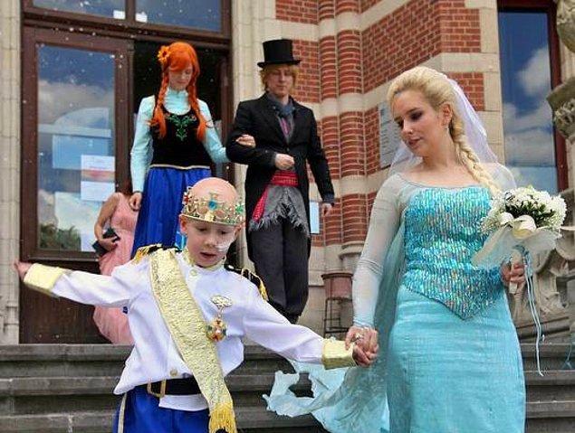 Düğüne başka masal kahramanları da davetliymiş :)