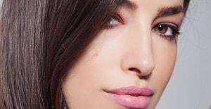Güçlü ve Sağlıklı Saçlarının Olması İçin Şimdiden Edinmen Gereken 6 Alışkanlık