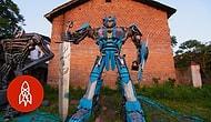 Çiftçi Baba-Oğul Hurda Parçalar Kullanarak Transformers Robotları Üretti