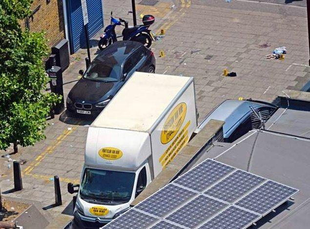 Saldırıda kullanılan kamyonetin kiralandığı aktarılan bilgiler arasında.