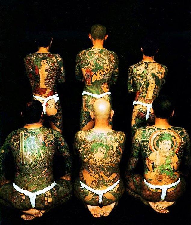 Hem gerçekçi hem de mitolojik figürler Japon dövmelerinin vazgeçilmezi.