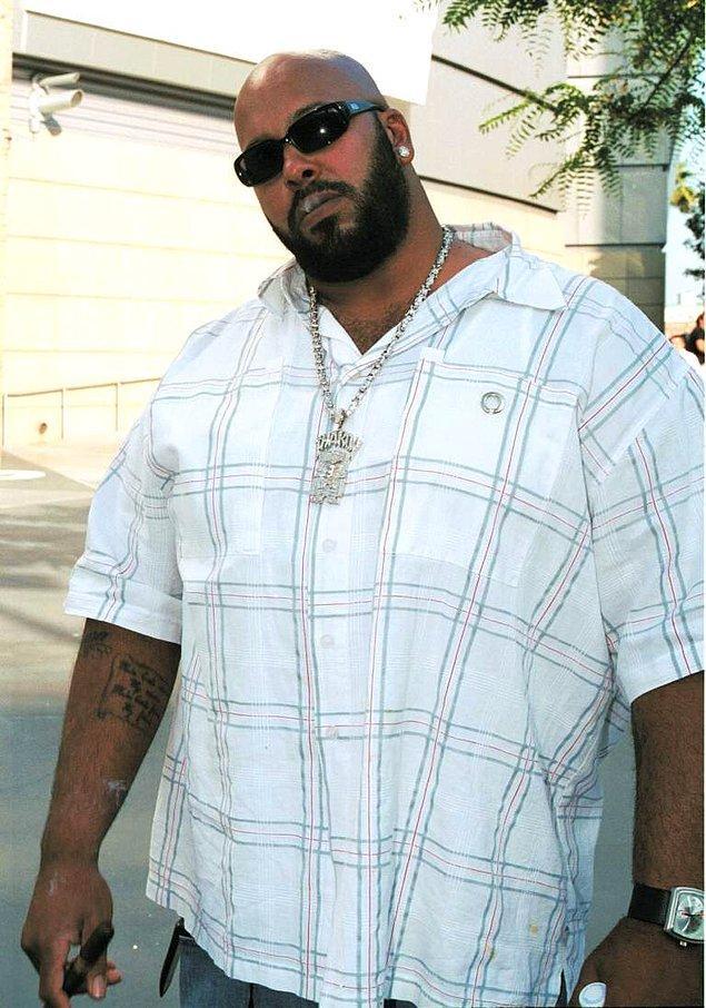 Pac'le arkadaşlığı sırasında da pek iyi bir insan değildi Knight. Çoğu, Pac'ın Death Row'u bırakmasından korkup hırsı yüzünden cinayeti planladığını düşünüyor.