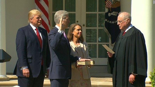 Trump Nisan ayında Yüksek Mahkeme'ye atadığı yargıç Neil Gorsuch'la, Cumhuriyetçilerin atadığı yargıç sayısını 5'e çıkamıştı.
