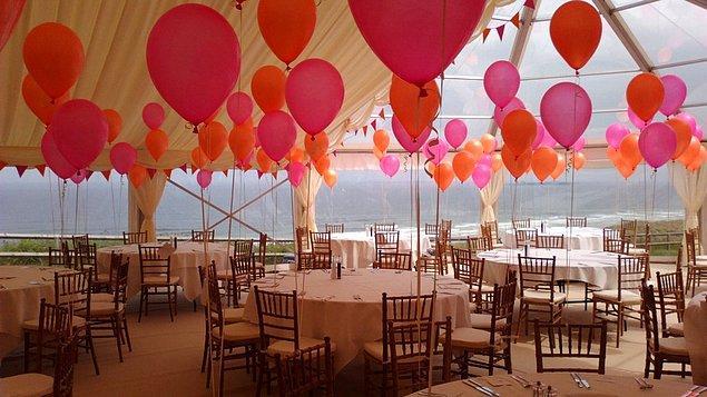Ülkemizde de yaygınlaşan bu trendi uygulamak için yaz düğünleri ideal.