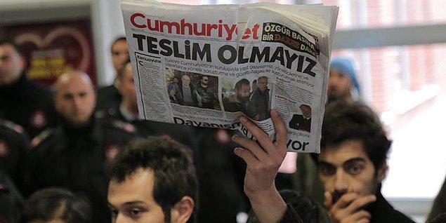 Bugün Türkiye'de 150'nin üzerinde gazeteci cezaevinde yatıyor.