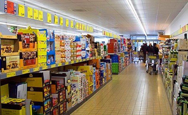 12. Mağazaların ya da büyük marketlerin indirim günlerini takip edin.