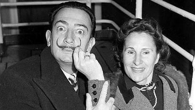 Vasiyetinde bütün mirasını İspanyol devleti ile Gala-Salvador Dali Vakfı'na bırakan Dali'nin, ilham perisi olarak gördüğü eşi Gala'dan çocuğu bulunmuyor.