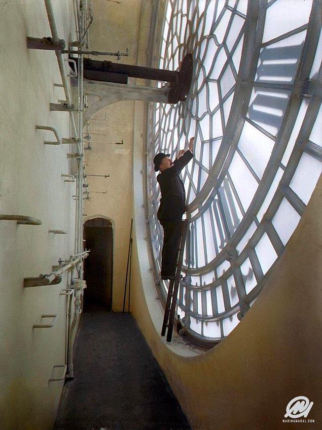 3. Renklendirilmiş haliyle Big Ben saat kulesinin içinden bir görünüm, 1920.