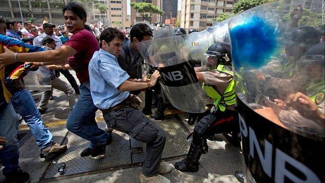 Nisan ayından bu yana hükümet karşıtı gösterilerde 70'ten fazla kişi yaşamını kaybetti.