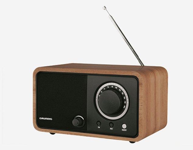 6. Hem salonuna dekoratiflik katacak hem de müziklerle evini festival alanına dönüştürecek retro görünümlü radyo