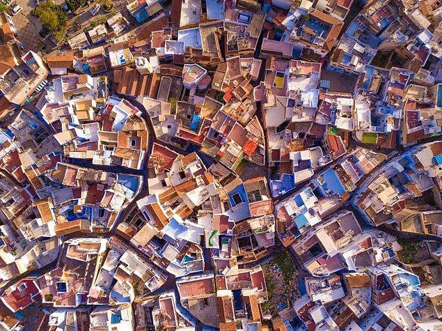 14. Fas'ın mavi rengiyle ün salmış köyü Chefchaeoun