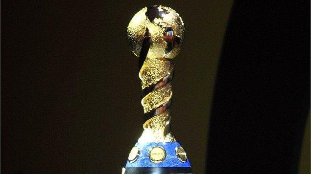 FIFA Konfederasyonlar Kupası, 1992'den beri düzenlenmektedir. 92, 95 ve 97 yıllarında Arabistan'da düzenlendi çünkü bu organizasyon, Kral Fehd Kupası olarak Arabistan'da başlamıştı.