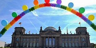 Merkel'den Ret Oyu: Almanya'da Eşcinsel Evlilik Parlamentodan Geçti
