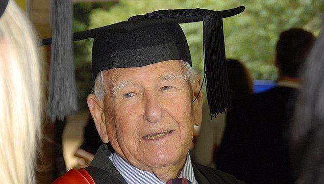 9. Japon Shigemi Hirata'nın rekorunu kıran ise 97 yaşında 4. üniversite diplomasına kavuşan Avustralyalı Allan Stewart